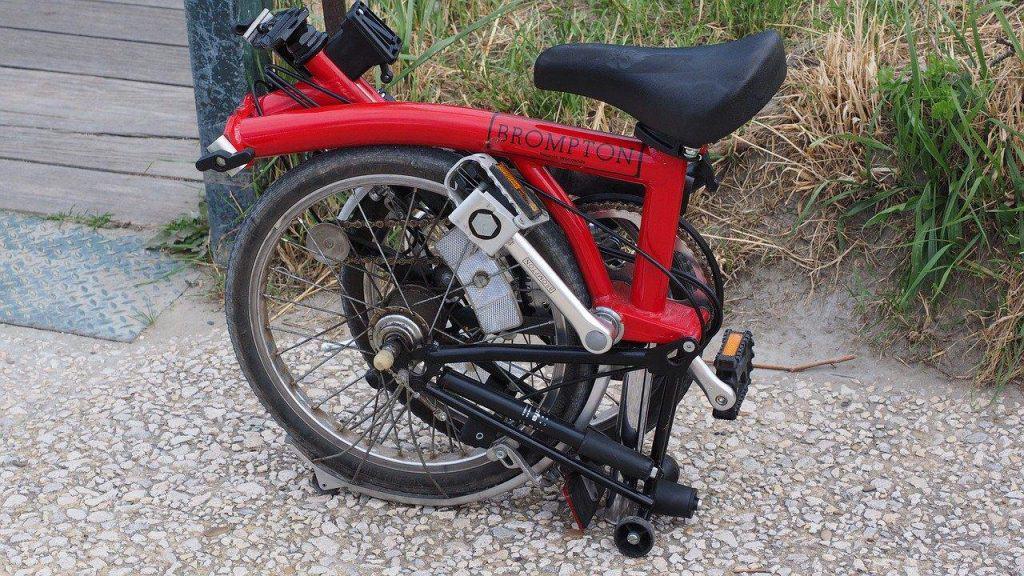 Sepeda Lipat Bekas by Hans Braxmeier Pixabay