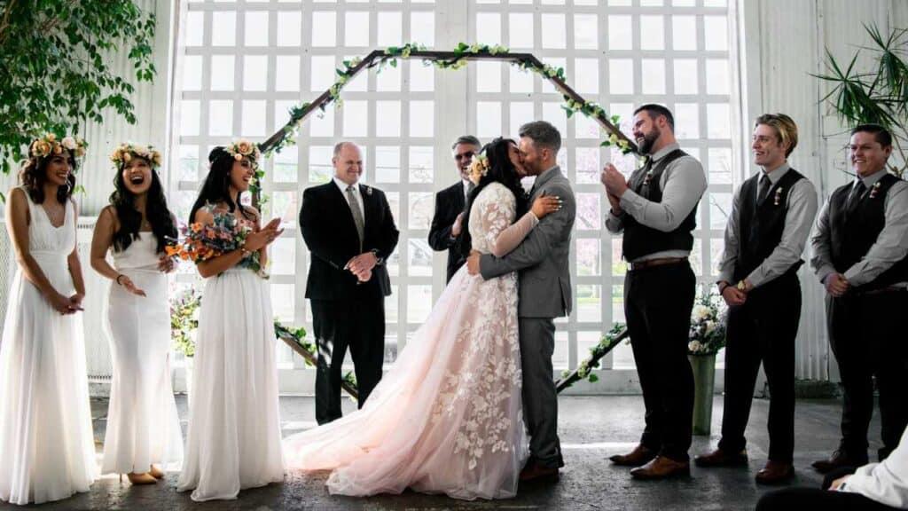 Event Organizer Wedding by kendra allen unsplash