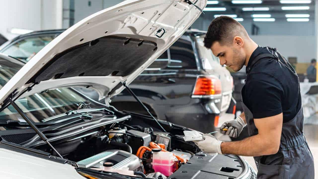 Otomotif Mobil: Prinsip Kerja Mesin, Sistem, dan Komponennya