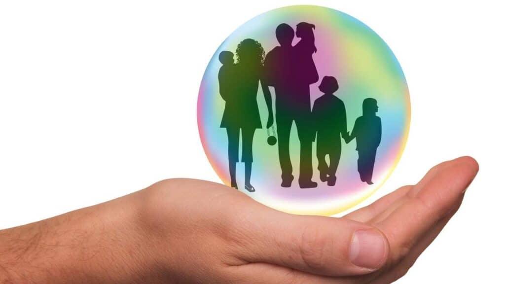 Rekomendasi Asuransi Kesehatan Keluarga by Tumisu Pixabay