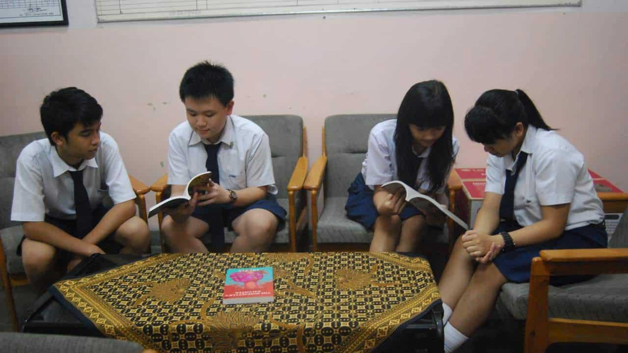 Pendidikan Formal di Indonesia (SD, SMP, SMA, SMK, PT)