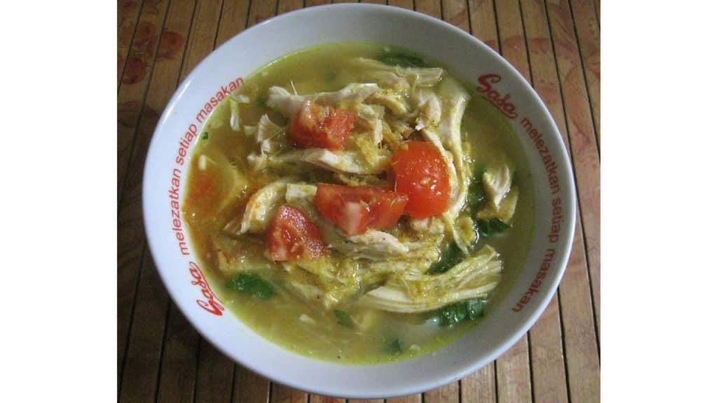 Soto ayam by Gunawan Kartapranata Wikimedia
