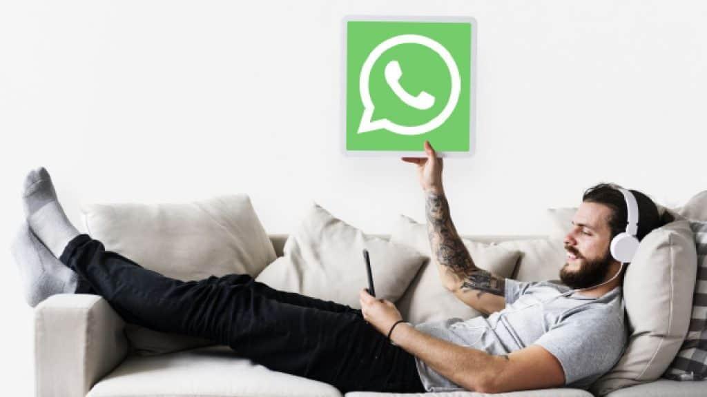 Kebijakan Privasi Baru Whatsapp by rawpixel.com Freepik