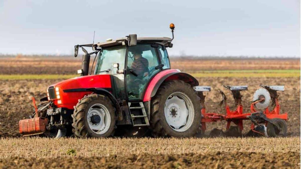 Usaha Sewa Alat Pertanian Membajak Sawah