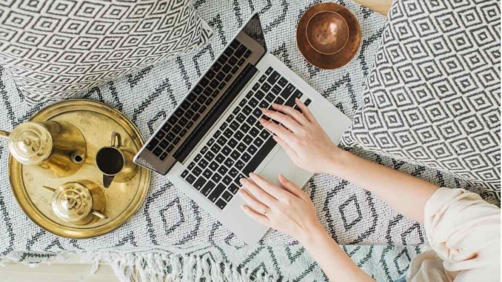 Bisnis Menjadi Blogger