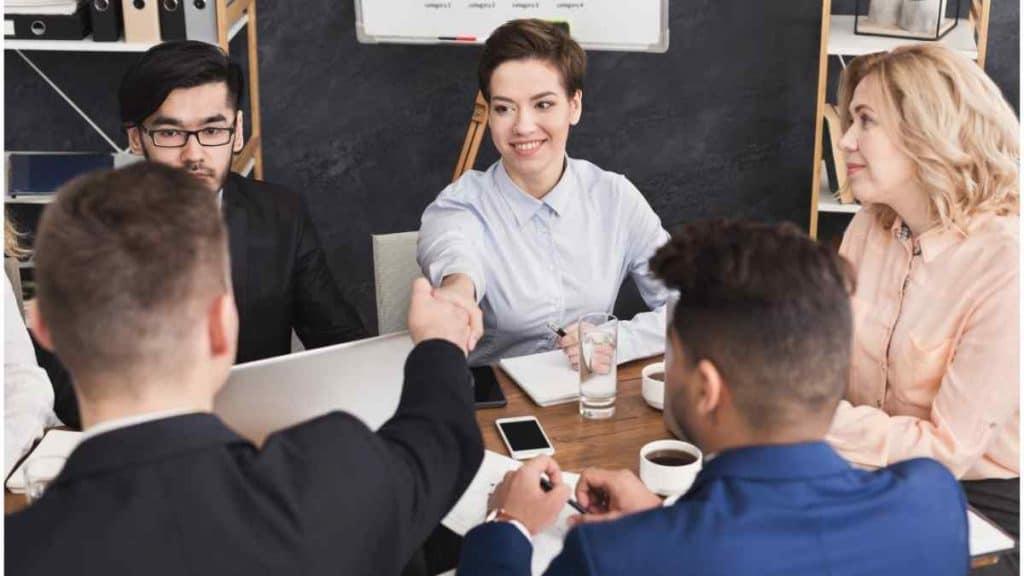 Menjaga Penampilan dalam Berbusana untuk Bisnis